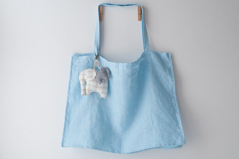 Super Large LINEN Tote Baby Blue + LINEN Elephant Keycharm