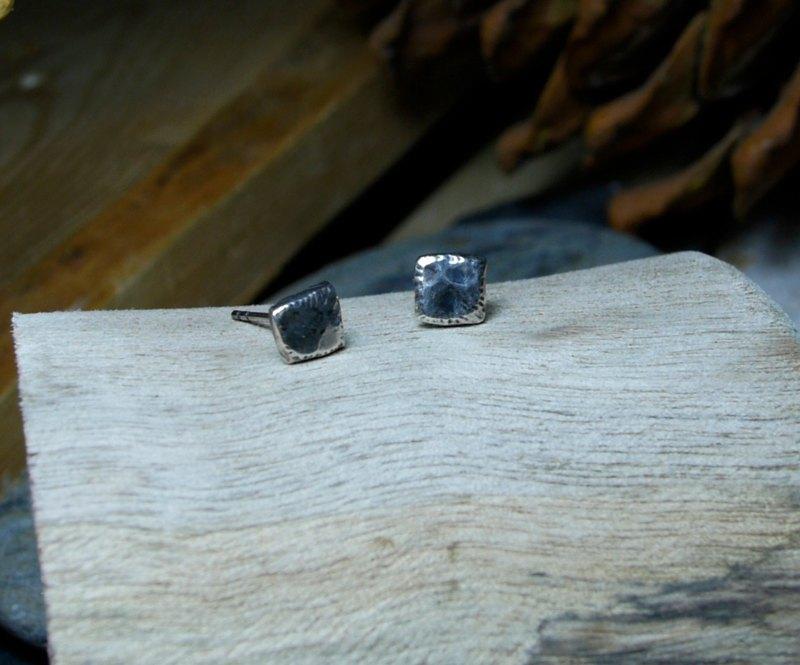 耳環/幾何型小品「正方形」 / Silver925 / 純銀 / 不規則 /