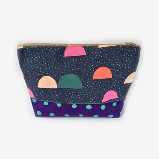 纯棉化妆包/杂物包 Cute Half Moon Dots Large Zipper Pouch, Polka Dot Canvas Bag
