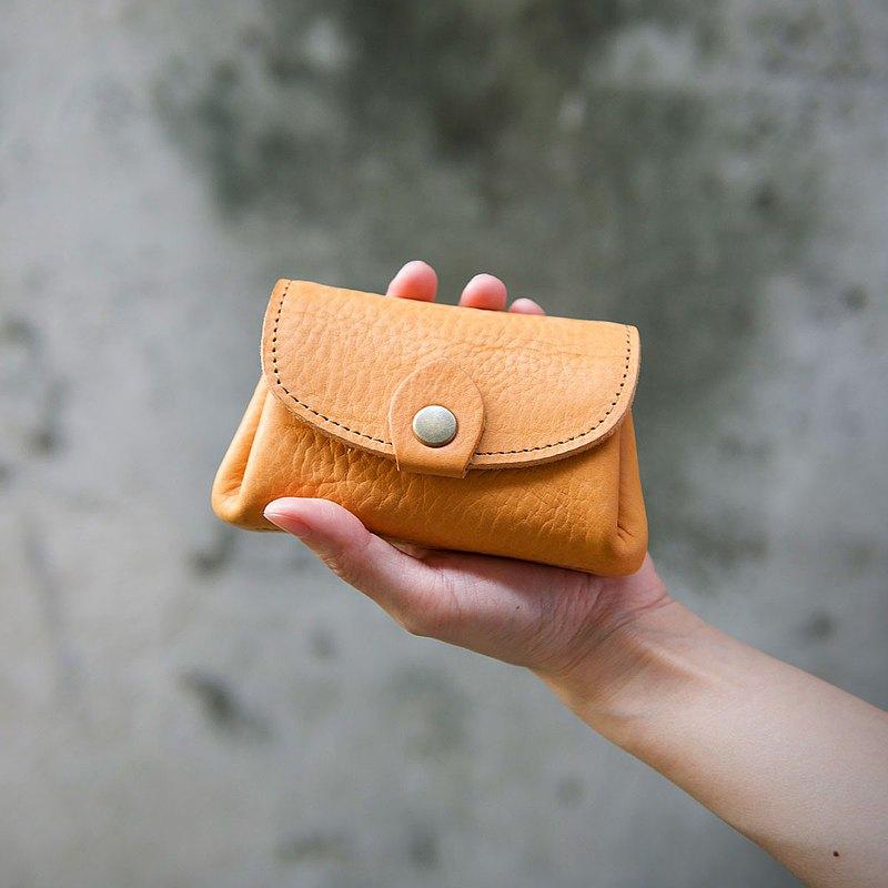 手握零錢包 Coin Purse / 黃棕 Tan