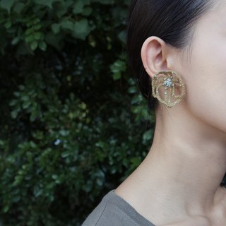 golden crochet earring L. II
