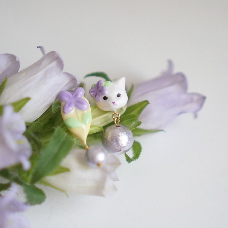 |Dragon Forest | A pair of wildflowers and cats for a pair of ear/ear clips