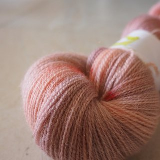 Hand dyed lace thread. Pink Ballet (100 BFL/ Lace)