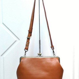 【MY. Hand made] retro leather 25cm mouth gold handbag ~ brown