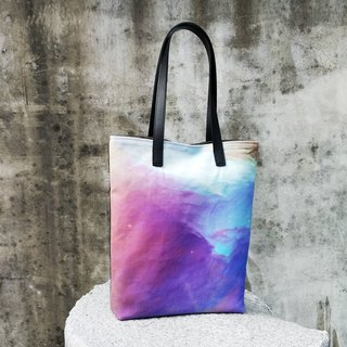 Light or dark_shoulder bag