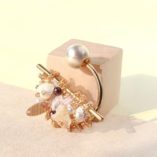 Planet - Gold. Champagne gold with white crystal small brooch