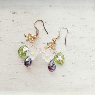 Momolico peach lily earrings small flower fruit grape can be clipped