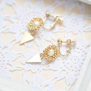 cotton pearl hexagon & triangle ①clip earrings②pierced earrings gold
