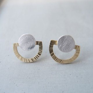 Geometric semi-circular bimetallic earrings