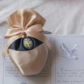 French Scent Bag / Satin Angel Dancer / Iris