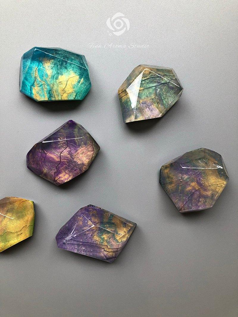 拉長石 礦石 寶石皂手工皂(大顆寶石單入含包裝)
