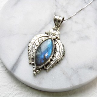 Labradorite stone spectrum 925 sterling silver angel wing design necklace, Nepal handmade inlaid silver (style 5)