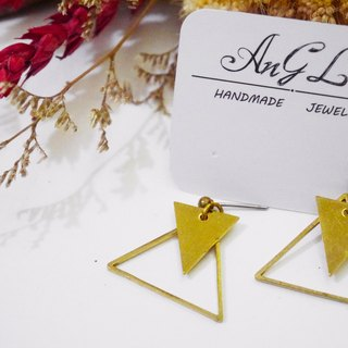 ❡ geometric triangle earrings