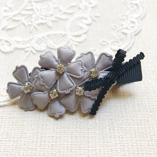 Fresh flower bangs hair clip / silver gray