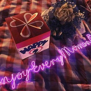 neonlite custom made wording light  /Enjoy Every Moment <3/