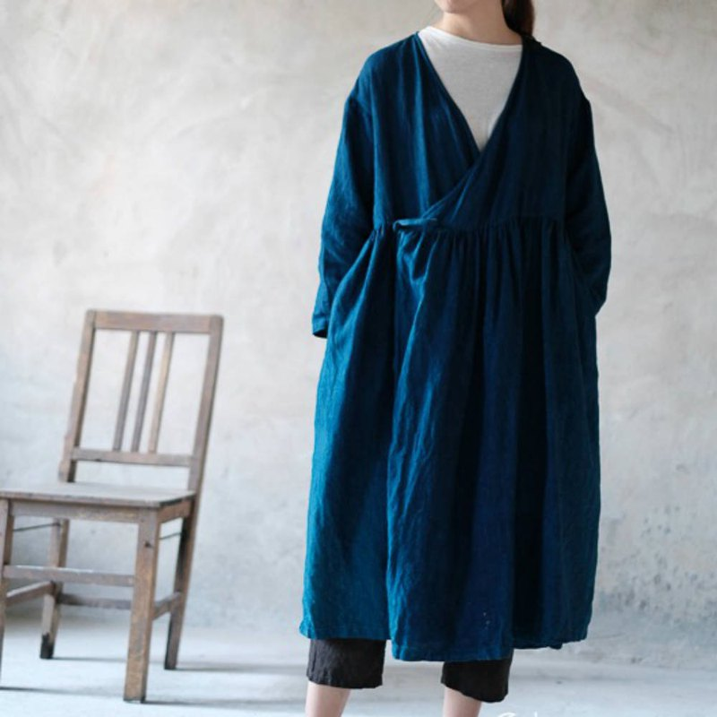 Rumors of the river | Indigo Japanese kimino laced shoulder pleated robes plant dyed linen long-sleeved jacket