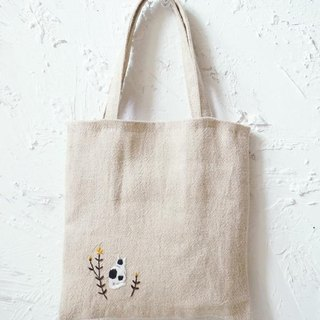 Pensive cat handmade embroidery bag
