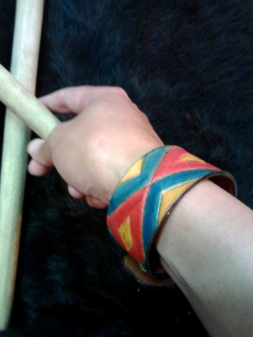 〖TRIPLE-COLOURED RHOMBI〗handmade leather-carving wristband (Fata'an leather-carving series)