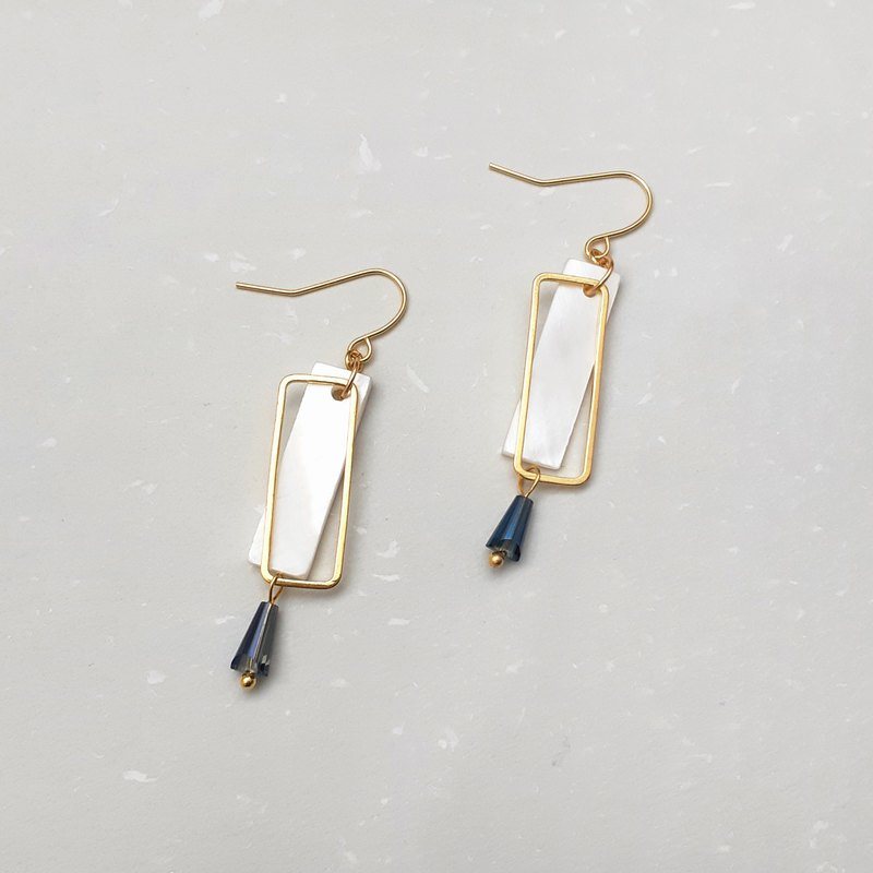 Shell rectangular earrings ear hooks (pair)