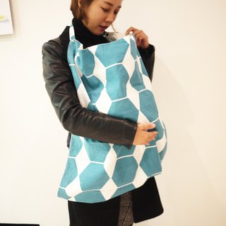 Multifunctional nursing towel Kangaruru Kangaroo baby [Nordic Blue Grid Hex] with exclusive storage bag