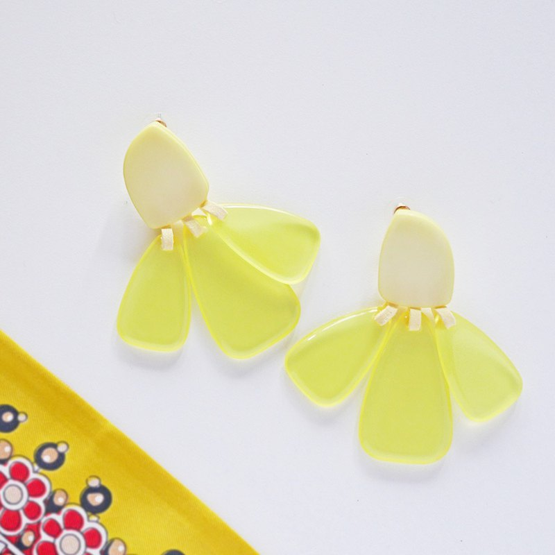 Pixie || Earrings || Yellow