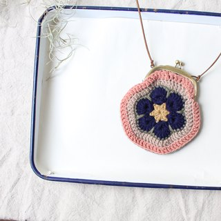 Wool purse positive and negative double color with a rope and a chain