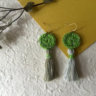 Handmade tassel earrings  |  green apple x silver  |  Crochet circle
