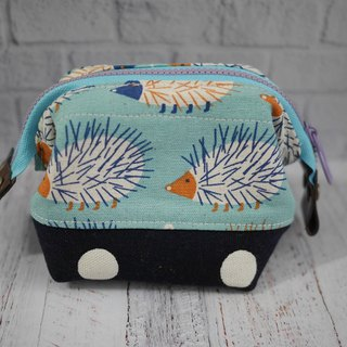 Hedgehog small cosmetic bag.