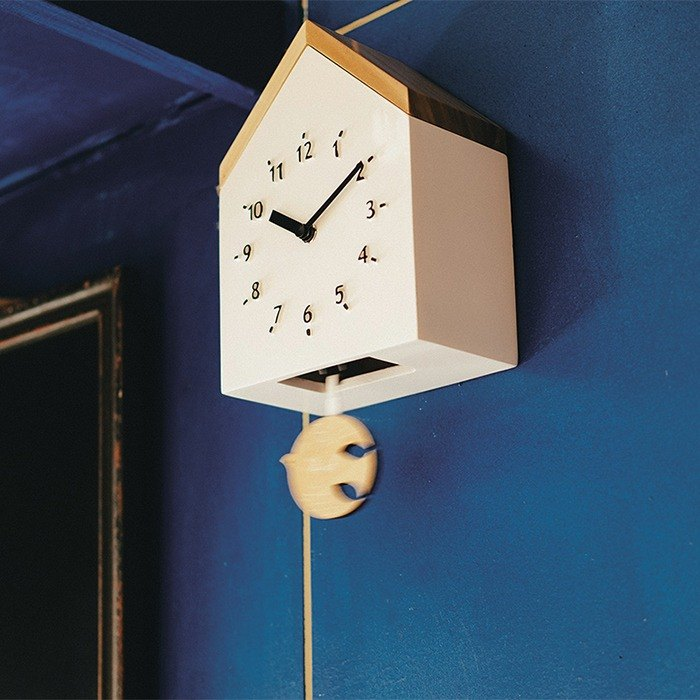 Rovine-cabin style swing wall clock (white)