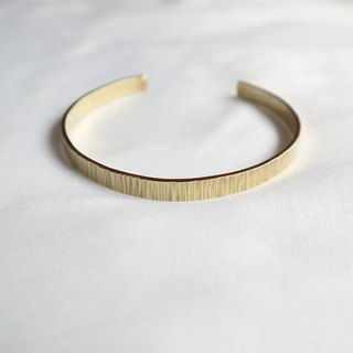 Ni.kou brass wrinkled bracelet (wide version)