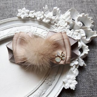Sweet and elegant French spring hair clip / khaki