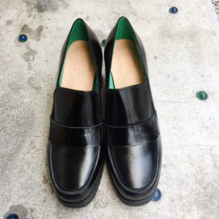 Painting # 8015 || calf leather side with Carrefour shoes dazzling black ||