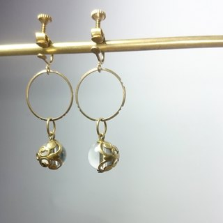 BZ 37: brass clip earrings with clear quartz