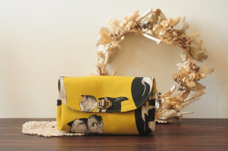 [cloth products] three-tier hand bag. Mustard Yellow Penguin