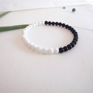 Valentine's Day gift - black and white - white clam bracelet agate simple models
