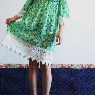 -Chicken Dock - Green Watercolor Flowers Off Shoulder Dress