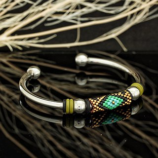 Aiko Bead with 4mm Stainless Steel Bangle Peyote-10