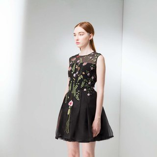 French elegant flower embroidery perspective dress