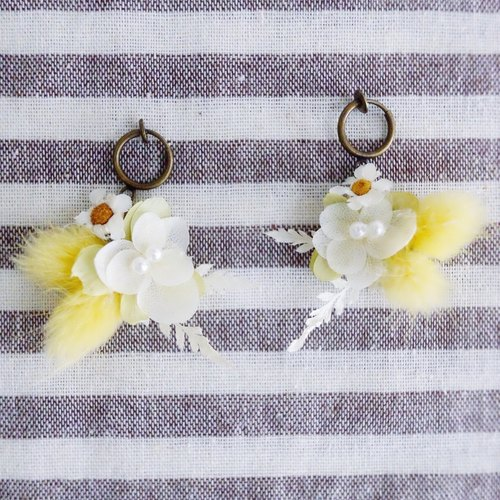 Or longing for heaven - no withered flower earrings Preserved & dried flower earring