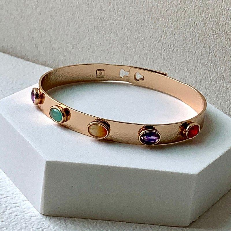 五彩繽紛鑲圓石金色手環l金色 樹脂