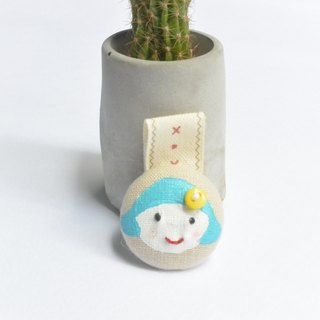 Hand-painted cloth buckle hub - smiling girl