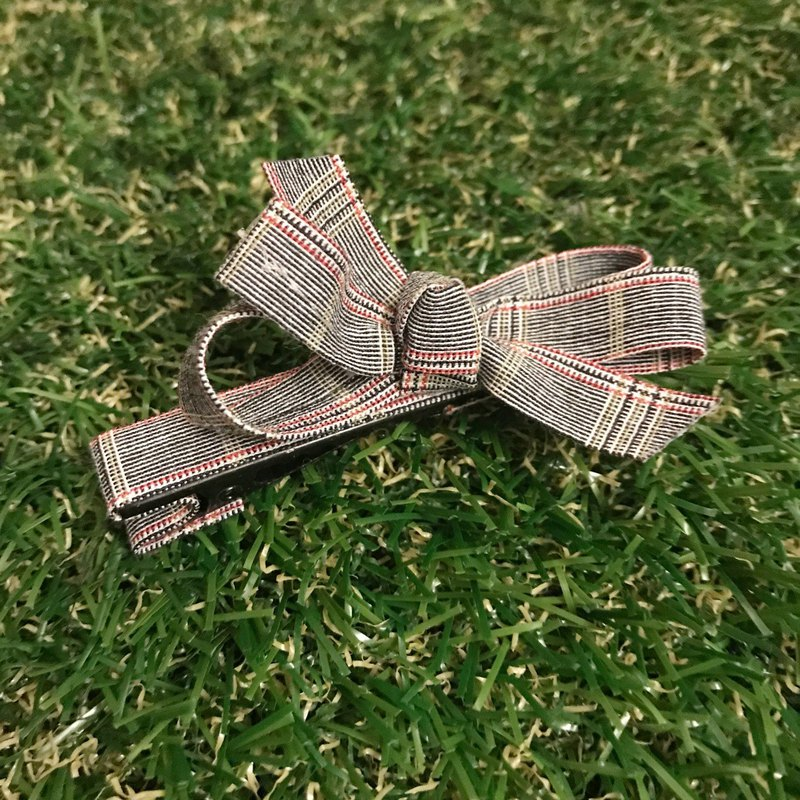 Only plaid red edge hair clip