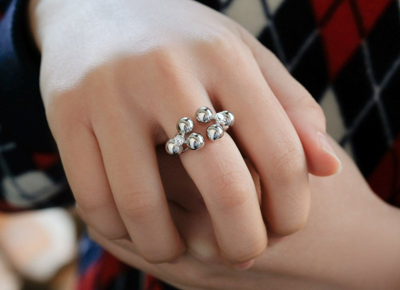 Three-dimensional fashion beaded diamond opening ring 925 sterling silver ring adjustable adjustable drill color can be customized replacement
