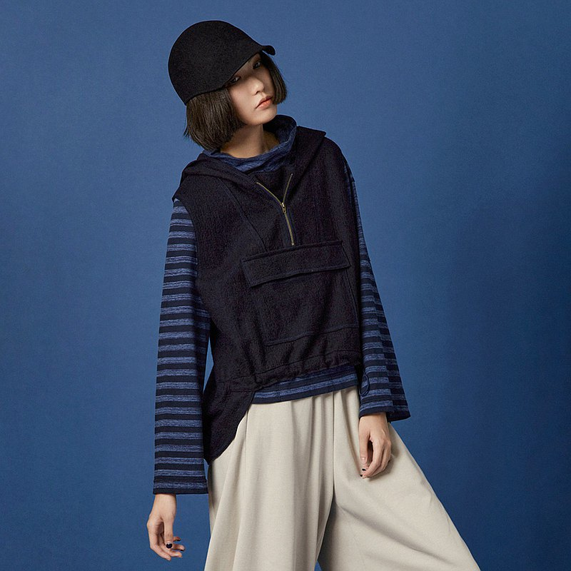 Zhanyi Square Bag Wool Hooded Drawstring Vest