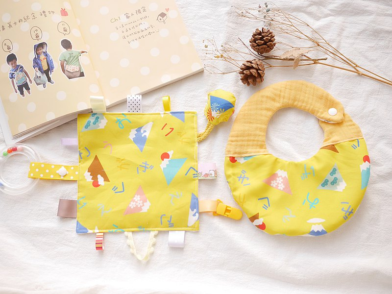 Six-fold yarn saliva towel + comfort towel, detachable hand bell, Mi Yue gift box, yellow bottom Mount Fuji