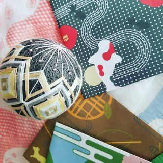 Colorful Lines and Home Furnishing Balls - Grey Sakura (Full Hand) M Size