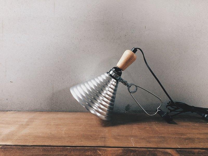 早期外銷歐美日 老櫸木螺旋鋁罩夾燈