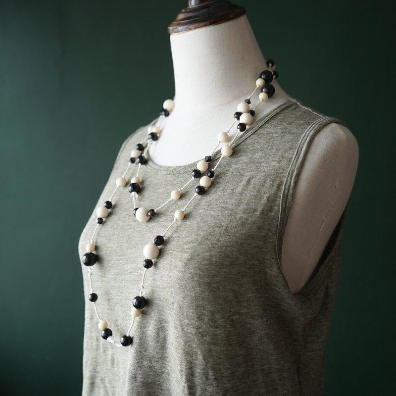 【古董飾品/西洋老件】VINTAGE黑白塑膠串珠古著項鍊