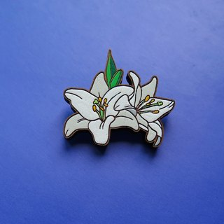 Wooden Brooch Lily