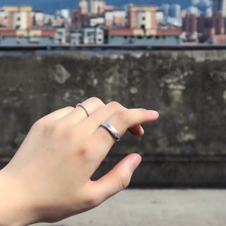 Ring Customized Square Lattice - Black Twist Lithograph Lettering Ring (Fog) Sterling Silver Ring - 64DESIGN